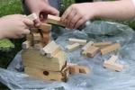 Bygga torn med fel hand! Eller ''Stina är lite skakig på handen.''
